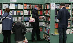 Bookshop browsers in Hay