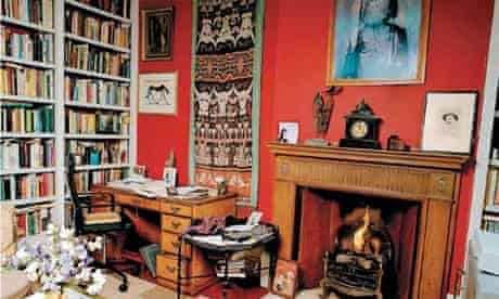 Writers' rooms: Edna O'Brien
