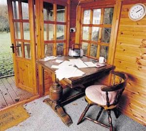 31.01.2009: Writers' rooms: Louis de Bernieres