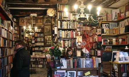 Browsers at Shakespeare and Company, Paris.