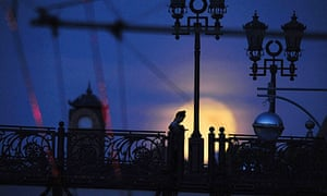 A bridge in Moscow by the light of the full moon