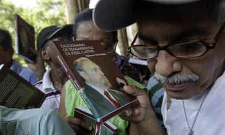 People queue for a copy of the Dictionary of Fidel Castro's Thoughts