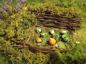 Hobbit hole: Hobbit hole veg