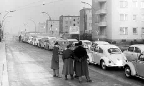 A line of cars at a Berlin checkpoint in 1962