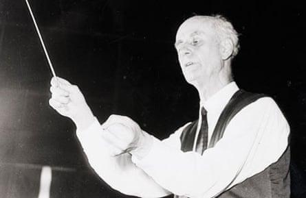 Wilhelm Furtwangler conducting