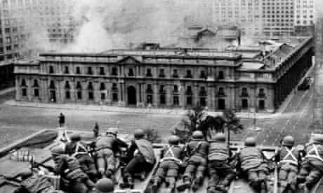 Chilean army fire on La Moneda Palace during 1973 coup