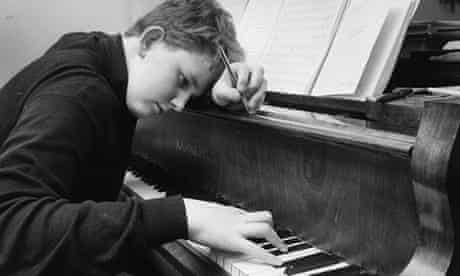 Oliver Knussen at the piano in 1967