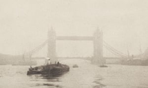 Tower Bridge in circa 1908