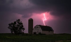 American nightmare … a lightning storm in Donnellson, Iowa.