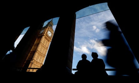 Couple in shadows in sight of Big Ben