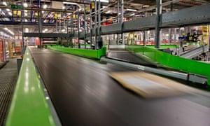 Amazon distribution warehouse