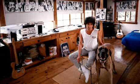 Bob Dylan in his studio in 1990