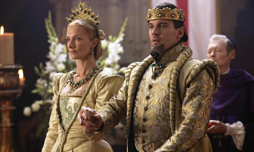 Joely Richardson as Catherine Parr and Jonathan Rhys Meyers as Henry VIII in TVseries The Tudors.