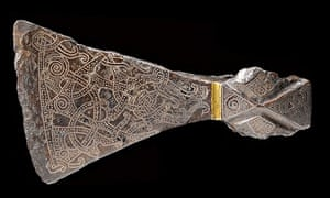 Silver-inlaid axehead