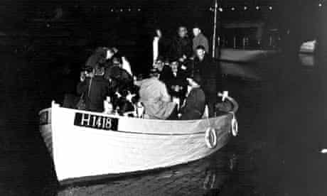 Danish fishermen ferrying Jewish refugees to Sweden in 1943