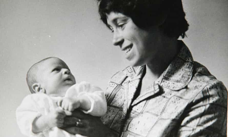 Jeremy Gavron with his mother, 1961