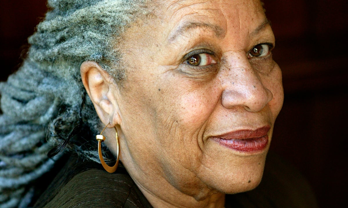 https://i.guim.co.uk/img/static/sys-images/Books/Pix/pictures/2015/4/28/1430219746850/Toni-Morrison-009.jpg?w=1200&q=55&auto=format&usm=12&fit=max&s=911651b9fa20c23cb0abbd23788a3276