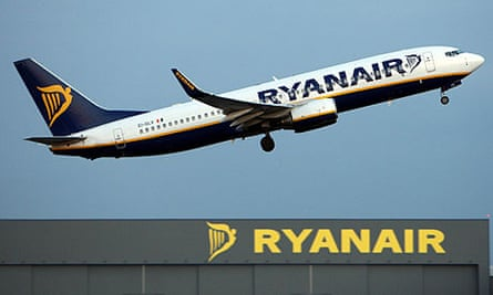 Ryanair posts rise in profits