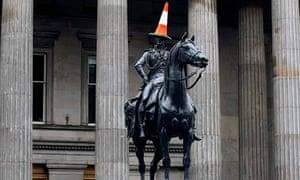 Duke of Wellington statue with traffic cone in Glasgow