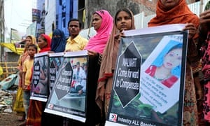 Relatives of Rana Plaza disaster victims form a human chain in