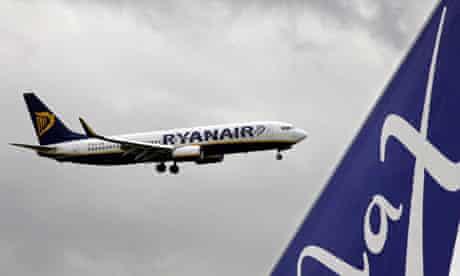 Ryanair jet landing