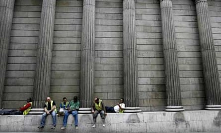 Construction workers outside the Bank of England