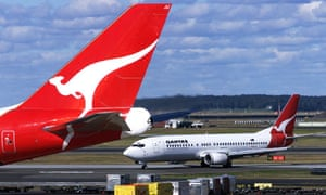 Qantas offers free flights to win back aggrieved passengers