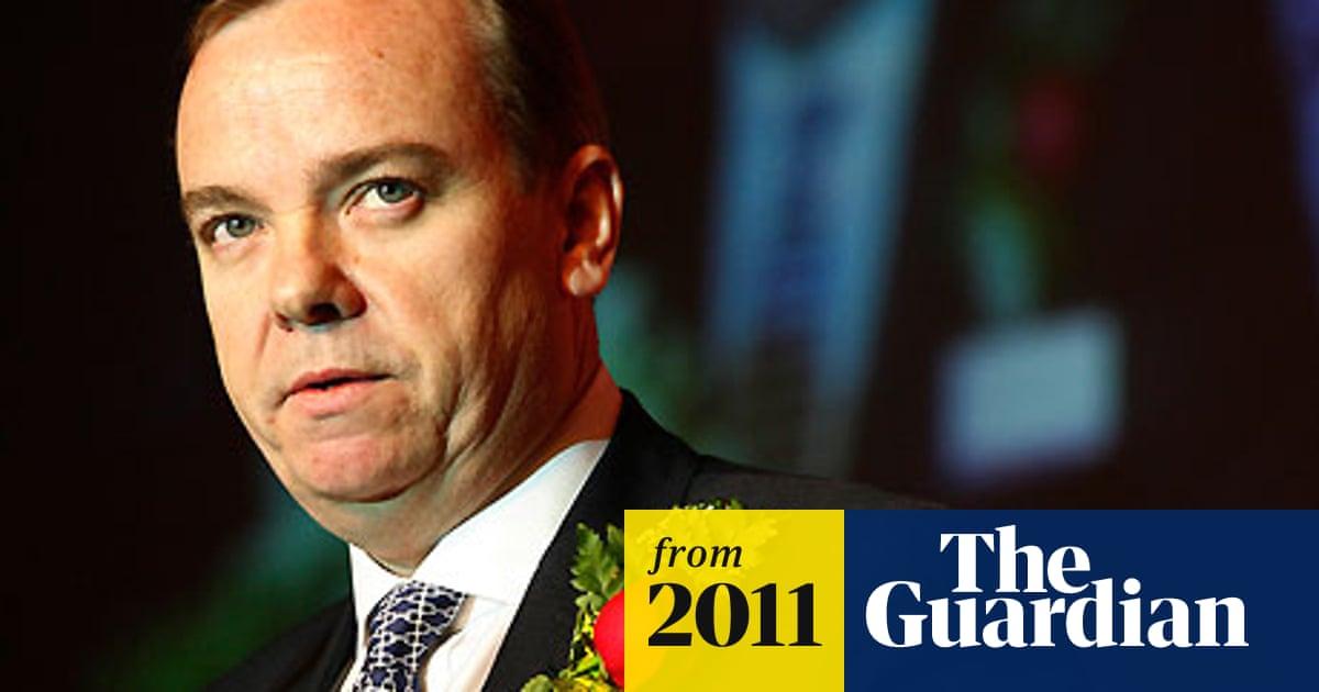 HSBC boss Stuart Gulliver stays offshore for employment