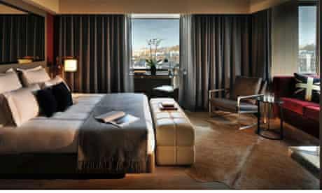 Belgraves Hotel bedroom