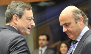 ECB president Mario Draghi (L) speaks with Spanish Finance Minister Luis De Guindos