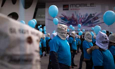 Telefónica workers protest at Mobile World Congress