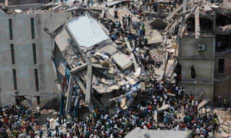 People rescuing garment workers at the Rana Plaza building in Bangladesh