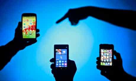 Samsung Galaxy S3, Nokia Lumia 820 and iPhone 4 smartphones