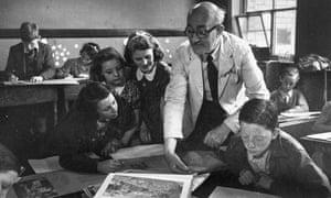 4th November 1944:  Pupils at an elementary school in Farnworth, Lancashire,