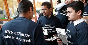 Muslim students wear T-shirts in support of Hizb ut-Tahrir