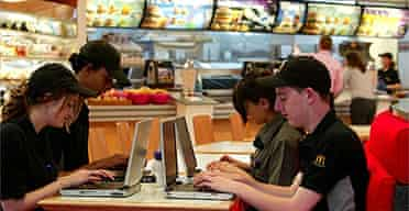McDonald's employees study online