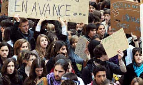 French high school students and teachers demonstrate at proposed teaching job cuts, April 2008