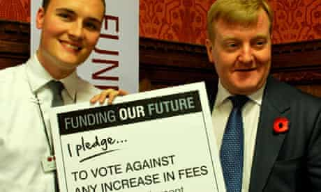Charles Kennedy with pledge to oppose tuition fee rise