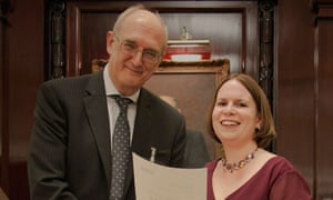 Nicola Harris, winner of the Max Perutz prize, with Sir Leszek Borysiewicz, Medical Research Council