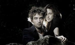 Robert Pattinson as Edward Cullen and Kristen Stewart as Bella Swan in Twilight