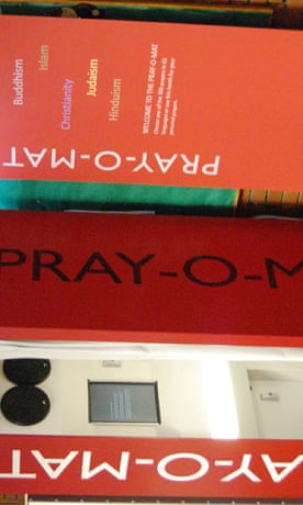 pray-o-mat praying booth at manchester uni