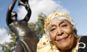 Cécile Nobrega with the statue of the Bronze Woman she planned, who has died aged 94