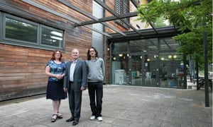 Toby Blume, right, with Avis Johns, chair of governors, and Mick Quigley, head, at Archer academy