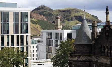 Edinburgh University has said it will stop employing staff on zero hours contracts