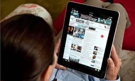 woman reading ipad in russian