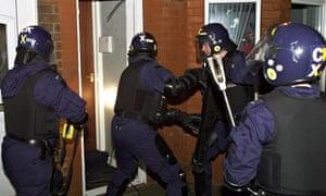 police drugs raid