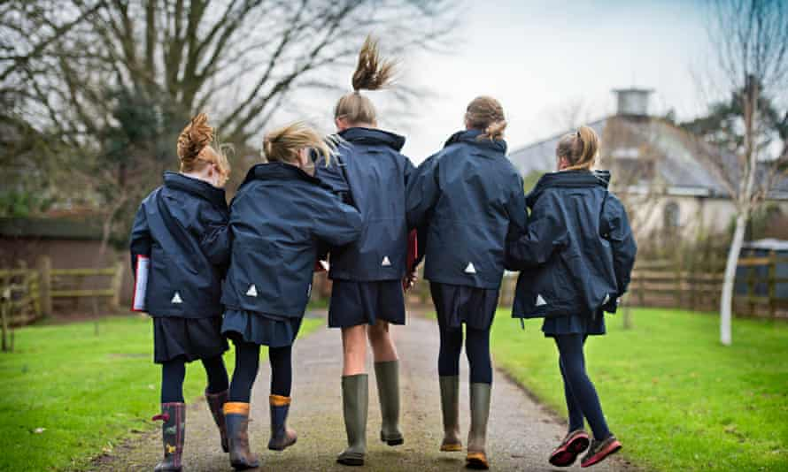 friendly schoolchildren at Sidcot school