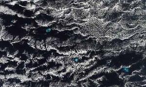 Satellite Eye on Earth :  the western Hawaiian islands. Pacific Ocean, Hawaii