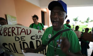 CANCUN COP16 : Activists protest against world's environmental policies