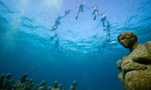 COP16 Cancun : Greempeace and tcktcktck activists
